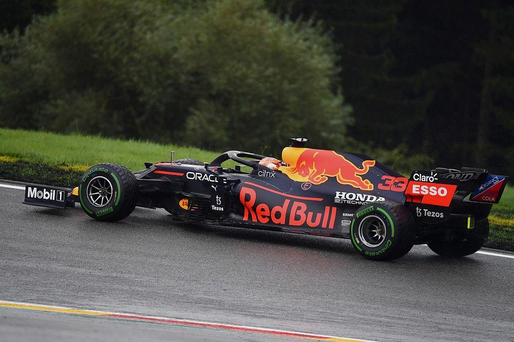 """Verstappen: """"Son bölümde normalde yağmur lastikleriyle gitmek gerekiyordu"""""""