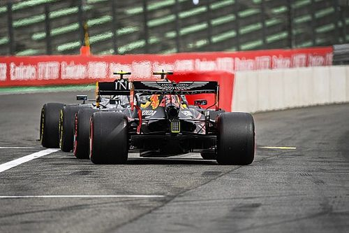 """Hamilton: """"Los Red Bull están por delante de nosotros"""""""