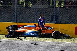 "Sainz escaped ""very dangerous"" restart crash with bruised hand"