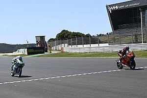 Moto3 - Portugal: Acosta repite y gana como un veterano