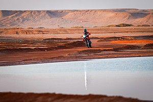 Revés inesperado en motos en la etapa 10: el Dakar, en un pañuelo