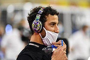 Ricciardo y Verstappen reaccionan con gracia al test de Alonso