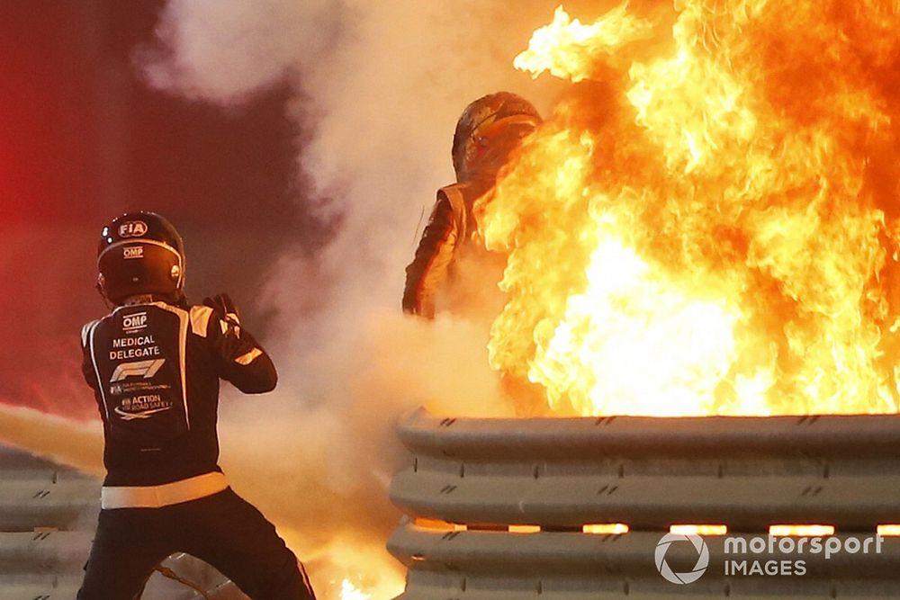 ANÁLISE: Como a vestimenta e o novo regulamento salvaram Grosjean no Bahrein