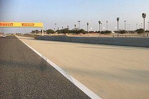 Des pneus placés devant le rail du crash de Grosjean