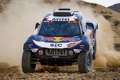 Sainz remonta para ganar la primera etapa del Dakar 2021