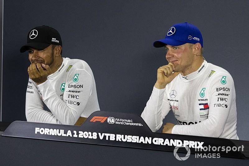 """Villeneuve: """"Bottasnak el kell engednie Hamiltont, már a Mercedes a legerősebb autó"""""""