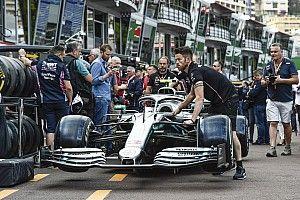 """Vettel, Mercedes'in performansının Monaco'nun """"benzersiz"""" pist yapısıyla beraber önemsiz olmasını umuyor"""