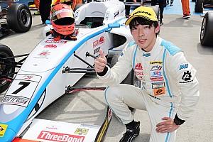佐藤蓮が開幕戦に次ぐ今季2勝目。好スタートを決め逃げ切り FIA-F4選手権第3戦富士