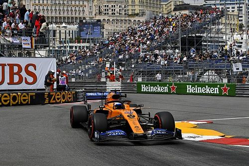 """Sainz lamenta empezar """"30 o 40 vueltas"""" por detrás de sus rivales"""
