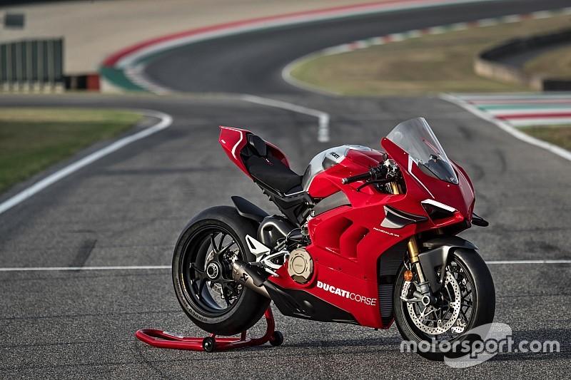 Ducati: presentata a EICMA la Panigale V4 R, la base da cui nasce la Rossa per la SBK 2019