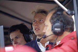 Quando um bicampeão da F1 dormiu demais no dia da corrida e acabou preso