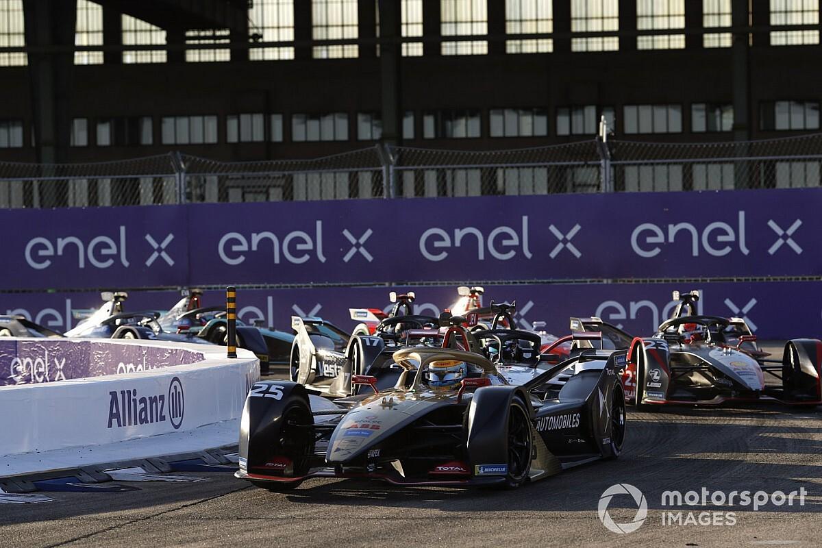 Berlin E-Prix: Vergne leads DS Techeetah 1-2, da Costa champion