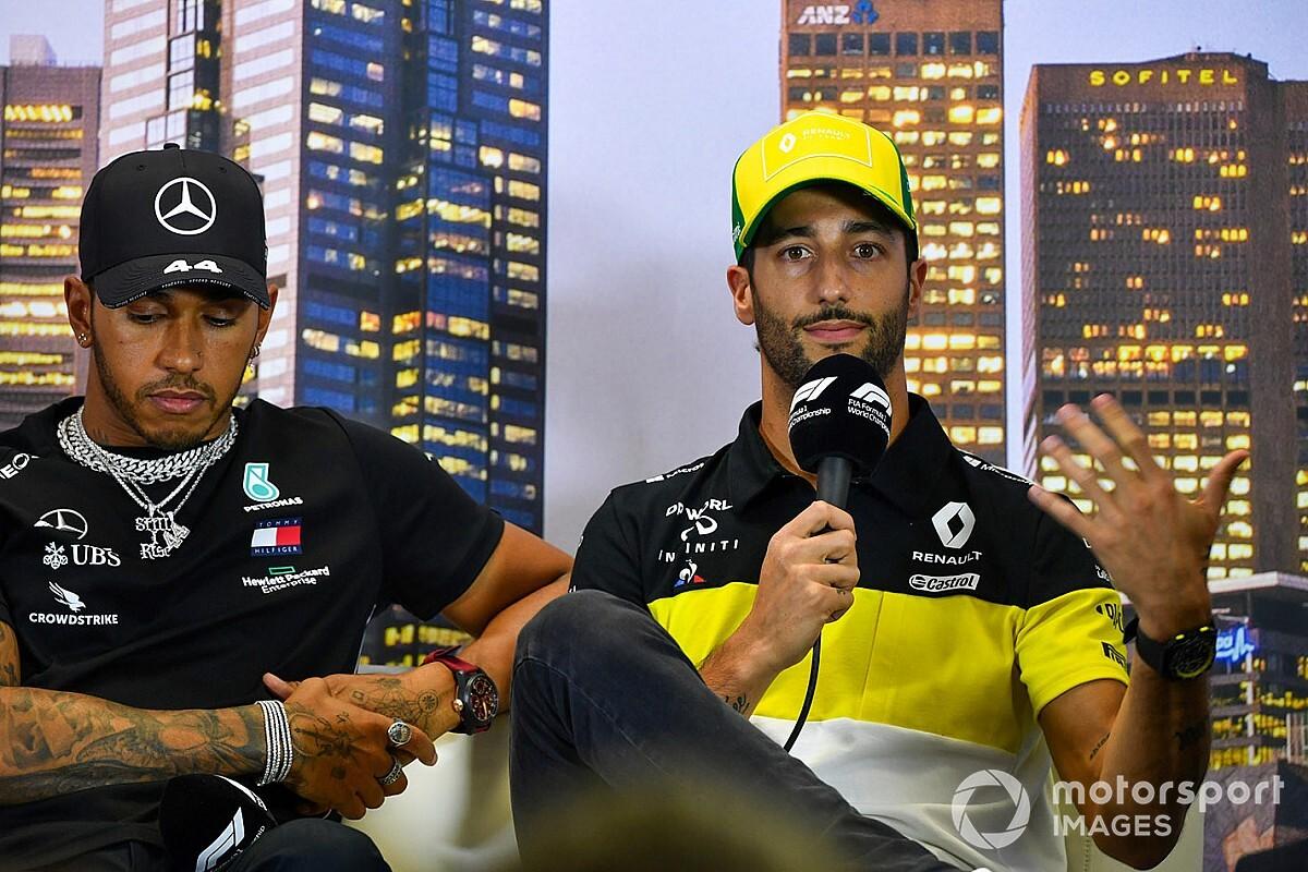 """Ricciardo: """"F1, Avustralya GP'nin iptali öncesinde ateşle oynuyordu"""""""