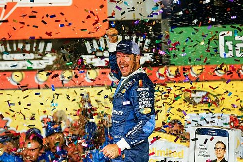Truex shakes bad luck, wins Southern 500 at Darlington