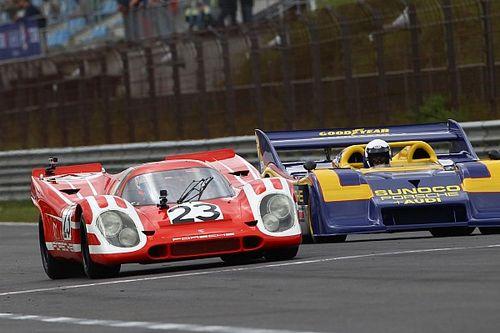 Le Mans-winnende Porsches in actie tijdens Historische GP Zandvoort