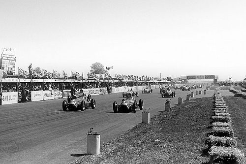 Domínio da Alfa Romeo, animais na pista e Moss barrado: veja sete curiosidades do primeiro GP da F1, que completa 70 anos