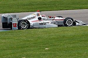 Will Power in pole con il record dello stradale di Indianapolis