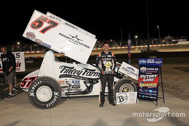 Kyle Larson picks up sprint car win in Canada
