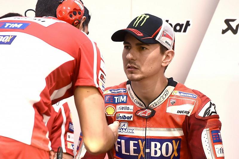 Debut bersama Ducati, Lorenzo kecewa finis P11
