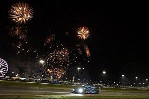 Daytona 24 Hours: Hr14 - Lengthy caution slows race to a crawl