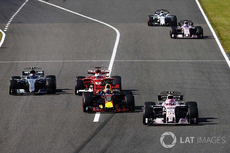 """Eenzame race voor Ricciardo: """"Miste de aansluiting met Max en Lewis"""""""