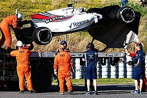 【F1】ストロールがクラッシュ。ウイリアムズ最終日の走行に黄信号