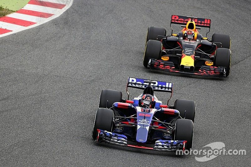 В Toro Rosso захотели получать больше запчастей от Red Bull