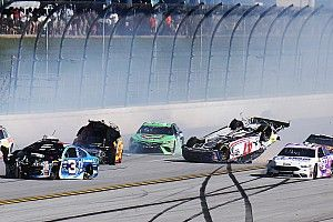 Massive crash sends cars airborne at Talladega - video