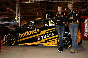 BTCC Breaking news Honda BTCC squad unveils drivers and new livery for 2017