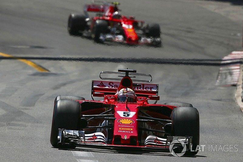 """Hamilton: """"A Ferrari já escolheu seu primeiro piloto"""""""