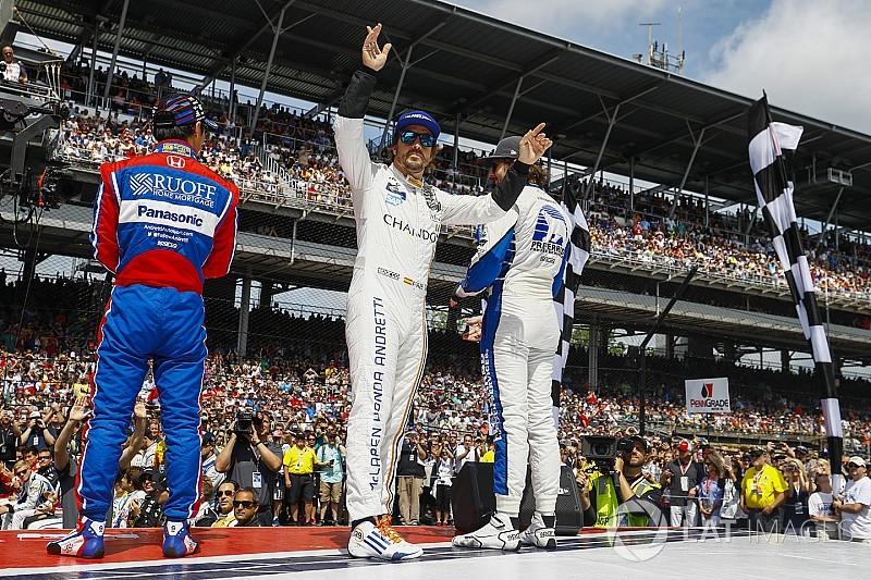"""Alonso : À Indy, """"le sport va au-delà des nationalités"""""""