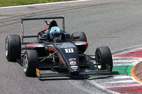 Saucy sbaglia, Lorandi ne approfitta e conquista Gara 1 a Monza