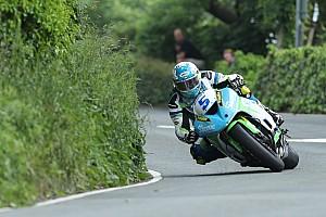 Testközelből az Isle of Man TT-n - hasítanak a Supersportok (videó)