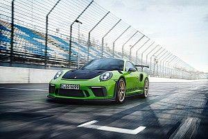 Video: al Nurburgring con Mark Webber sulla nuova Porsche 911 GT3 RS