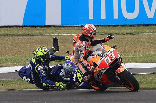 """Rossi: """"Non siamo protetti dalla Race Direction, Marc fa quello che vuole"""""""