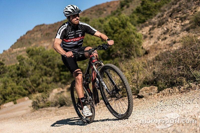 Juncadella breaks collarbone in mountain bike crash