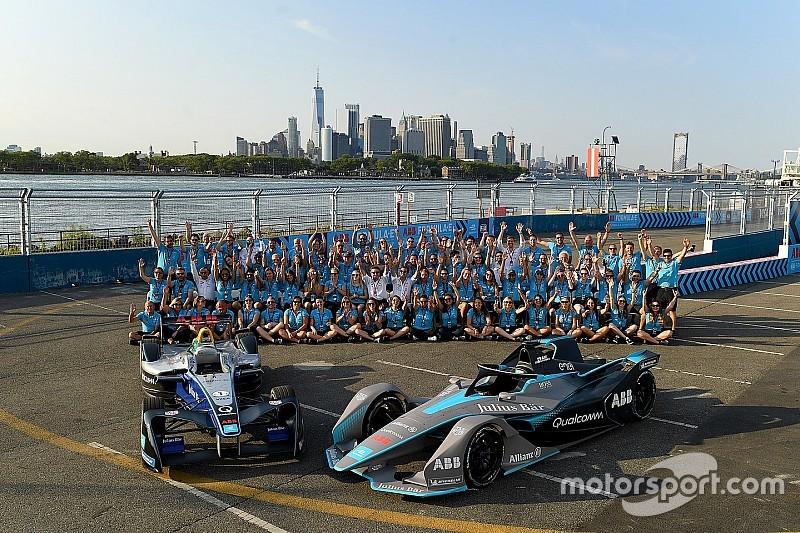 """""""Aucune concurrence"""" entre F1 et Formule E, selon Agag"""