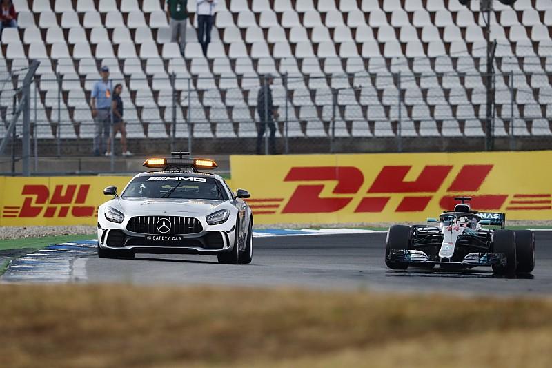 Hamilton, pit girişi nedeniyle inceleme altında!