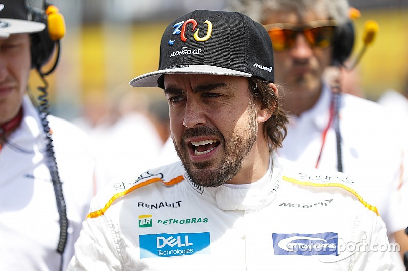 Alonso örül a Red Bull-Honda párosnak