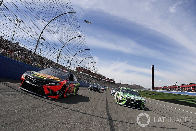 Martin Truex Jr. wins Stage 1 at Fontana as Harvick wrecks