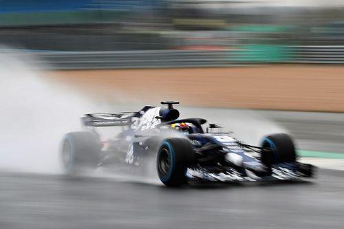 """ريكاردو يتعرّض لحادث أثناء اختبار سيارة ريد بُل """"آر.بي14"""" في سيلفرستون"""