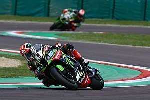 World Superbike Crónica de Carrera Rea se impuso a Davies en Imola