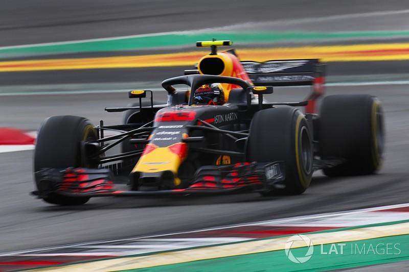Verstappen en Dennis in actie voor Red Bull tijdens test Barcelona