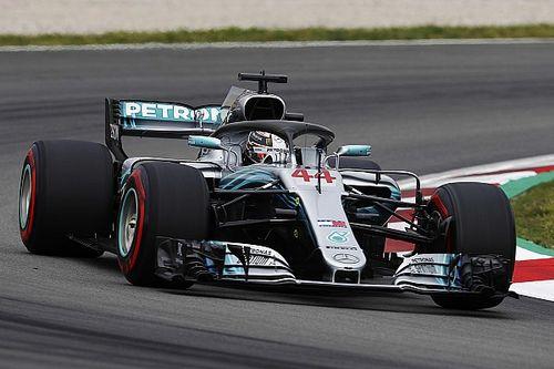 Los Mercedes, favoritos para la pole en Barcelona