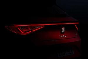 2020 SEAT Leon FR'ın farları ve iç mekanı göründü!