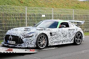 Videó: Padlógázon hajtják a Mercedes-AMG GT Black Series-t a Nürburgringen