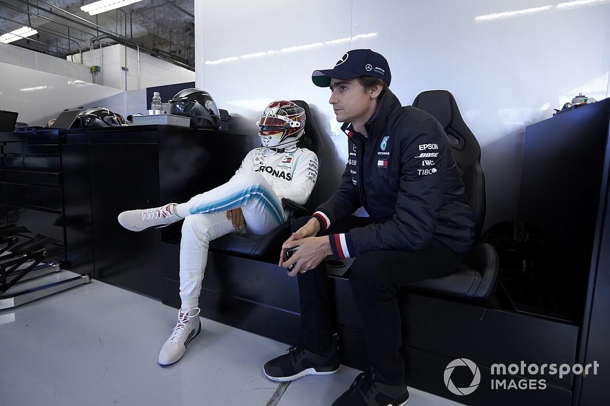 Két szimulátora is van a korábbi F1-es versenyző otthonában: videó