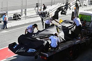 Un problème moteur stoppe Hamilton prématurément à Barcelone