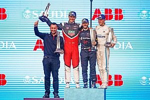 Diriyah E-Prix: Bird wins, podiums for Porsche and Mercedes