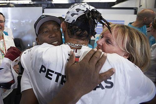 Így ünnepelte Hamilton a 6. F1-es világbajnoki címét Amerikában